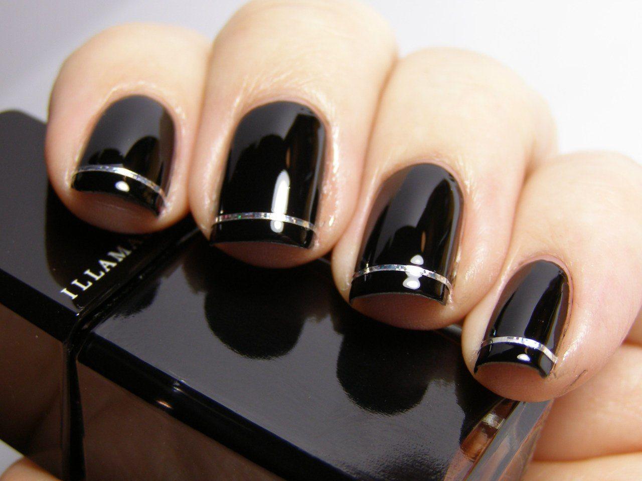 Czarne paznokcie błysk