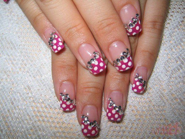 Ładnie pomalowane paznokcie