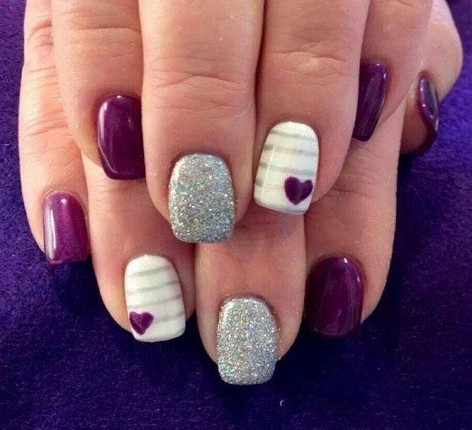 Szare i białe paznokcie wzorki