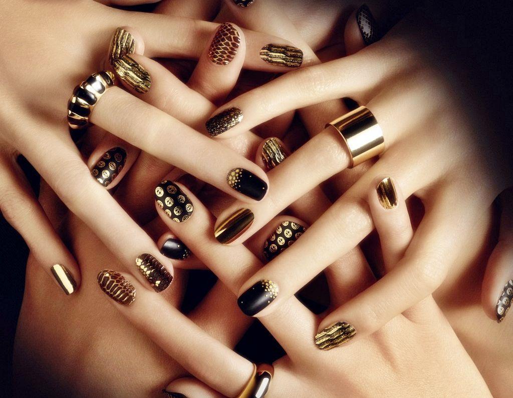 Złote wzorki paznokcie różne