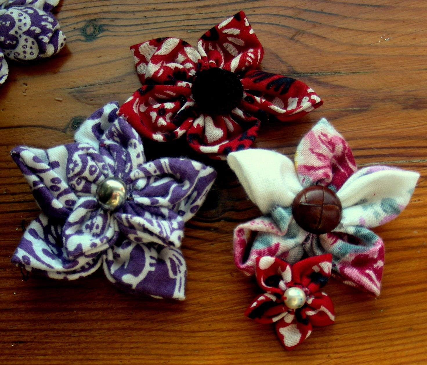 Broszki kwiatuszki